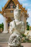 Εξωτερικό του αγάλματος του Βούδα μπροστά από το ναό Wat Khunaram Koh Samui, Ταϊλάνδη Στοκ φωτογραφία με δικαίωμα ελεύθερης χρήσης