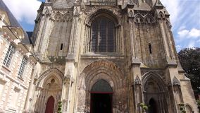 Εξωτερικό του καθεδρικού ναού σε Lisieux, Νορμανδία Γαλλία, ΚΛΙΣΗ απόθεμα βίντεο