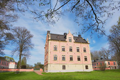 Εξωτερικό του μεσαιωνικού παλατιού Skanelaholms σε Rosersberg, Σουηδία Στοκ Φωτογραφία