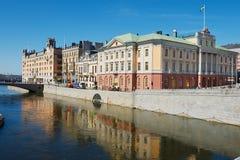 Εξωτερικό των ιστορικών κτηρίων στην όχθη ποταμού στη Στοκχόλμη, Σουηδία Στοκ Φωτογραφία