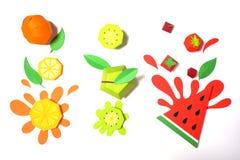Εξωτικά φρούτα φιαγμένα από έγγραφο για το άσπρο υπόβαθρο στοκ φωτογραφία