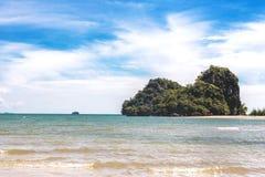 Εξωτική παραλία στο AO Nang, επαρχία Krabi, Ταϊλάνδη Στοκ φωτογραφία με δικαίωμα ελεύθερης χρήσης