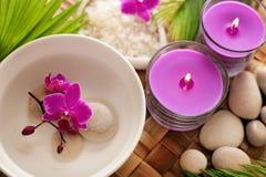 εξωτική flower massage products spa πετσέτα πετρών Στοκ φωτογραφίες με δικαίωμα ελεύθερης χρήσης
