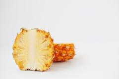 Εξωτικός ανανάς μωρών φρούτων που απομονώνεται στο άσπρο υπόβαθρο στοκ φωτογραφία