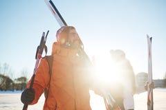 εξωτικός γίνοντας ωκεάνιος χιονάνθρωπος άμμου παραλιών ανασκόπησης τροπικές διακοπές άσπρος χειμώνας Στοκ Εικόνες