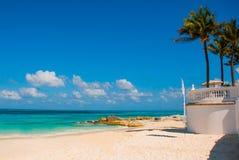Εξωτικός παράδεισος θέρετρο τροπικό Καραϊβικός λιμενοβραχίονας θάλασσας κοντά σε Cancun Παραλία του Μεξικού τροπική στις Καραϊβικ στοκ εικόνα με δικαίωμα ελεύθερης χρήσης