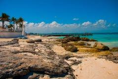 Εξωτικός παράδεισος θέρετρο τροπικό Καραϊβικός λιμενοβραχίονας θάλασσας κοντά σε Cancun Παραλία του Μεξικού τροπική στις Καραϊβικ στοκ φωτογραφία