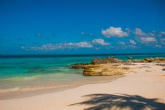 Εξωτικός παράδεισος θέρετρο τροπικό Καραϊβικός λιμενοβραχίονας θάλασσας κοντά σε Cancun Παραλία του Μεξικού τροπική στις Καραϊβικ στοκ φωτογραφίες με δικαίωμα ελεύθερης χρήσης