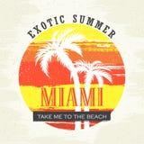 Εξωτικό καλοκαίρι Μαϊάμι Με πάρτε στην παραλία Διανυσματική απεικόνιση για την μπλούζα και άλλες χρήσεις Στοκ φωτογραφία με δικαίωμα ελεύθερης χρήσης