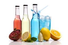 Εξωτικό κοκτέιλ αλκοόλης μπουκαλιών Στοκ Εικόνα