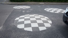 Εξόγκωμα ταχύτητας για την ασφάλεια στο δρόμο Στοκ φωτογραφία με δικαίωμα ελεύθερης χρήσης