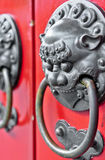εορτασμού κινεζικό έννοιας πορτών νέο κόκκινο έτος λιονταριών δράκων επικεφαλής Έννοια: Κινεζικός νέος εορτασμός έτους Στοκ Εικόνα