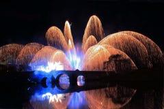 Εορτασμός γεφυρών με τα πυροτεχνήματα Στοκ Φωτογραφία