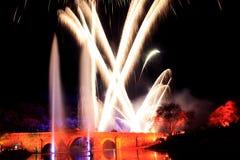 Εορτασμός με τα πυροτεχνήματα λεπτομέρειας της γέφυρας χρωμάτων Στοκ φωτογραφία με δικαίωμα ελεύθερης χρήσης