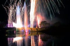 Εορτασμός με τα πυροτεχνήματα λεπτομέρειας της γέφυρας χρωμάτων Στοκ εικόνες με δικαίωμα ελεύθερης χρήσης