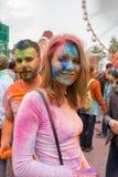 Εορτασμός του ινδικού φεστιβάλ των χρωμάτων και της άνοιξη Holi στο πάρκο του Γκόρκυ Στοκ Εικόνες