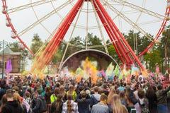 Εορτασμός του ινδικού φεστιβάλ των χρωμάτων και της άνοιξη Holi στο πάρκο του Γκόρκυ Στοκ Εικόνα