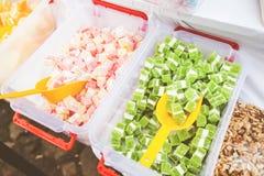 Εορταστικά γλυκά στην αγορά τροφίμων στοκ εικόνα με δικαίωμα ελεύθερης χρήσης