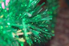 Εορταστικές χρωματισμένες διακοσμήσεις στις διακοπές του έτους Στοκ Εικόνες