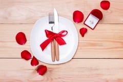 Εορταστικός πίνακας που θέτει για το γάμο, την ημέρα βαλεντίνων, τα γενέθλια ή το Α Στοκ φωτογραφίες με δικαίωμα ελεύθερης χρήσης