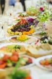 Εορταστικός πίνακας τροφίμων Στοκ Εικόνες