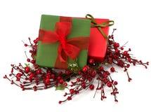 Εορταστικός σωρός κιβωτίων δώρων Στοκ εικόνες με δικαίωμα ελεύθερης χρήσης