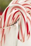 Εορταστικός Peppermint Χριστουγέννων κάλαμος καραμελών Στοκ Φωτογραφία