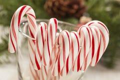 Εορταστικός Peppermint Χριστουγέννων κάλαμος καραμελών Στοκ Εικόνα