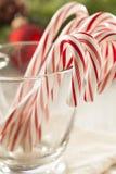 Εορταστικός Peppermint Χριστουγέννων κάλαμος καραμελών Στοκ εικόνες με δικαίωμα ελεύθερης χρήσης