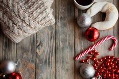 Εορταστικό στολισμός διακοπών ντεκόρ Χριστουγέννων ξύλινο στοκ εικόνα