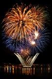 Εορταστικό φωτεινό πυροτέχνημα Στοκ εικόνα με δικαίωμα ελεύθερης χρήσης