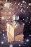 εορταστικό δώρο κιβωτίων Στοκ εικόνα με δικαίωμα ελεύθερης χρήσης