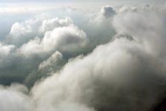 επάνω από τα εναέρια σύννεφα Στοκ Φωτογραφίες