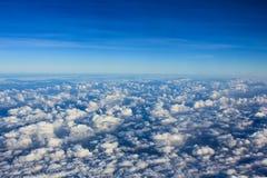 επάνω από τα σύννεφα θυελ&lambd Στοκ φωτογραφία με δικαίωμα ελεύθερης χρήσης