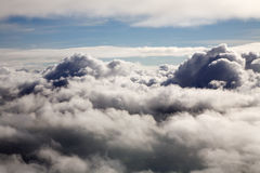 επάνω από τα σύννεφα Στοκ Φωτογραφίες