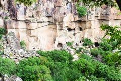 επάνω από την άποψη της κλίσης με τις σπηλιές στην κοιλάδα Ihlara Στοκ φωτογραφίες με δικαίωμα ελεύθερης χρήσης
