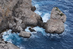 επάνω από την αιγαία oia νησιών νησιών των Κυκλάδων Ελλάδα απότομων βράχων όψη θάλασσας santorini Στοκ Εικόνα