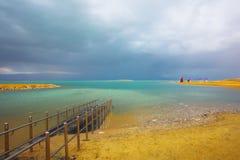 επάνω από τη νεκρή θύελλα θά&lam Στοκ Εικόνες