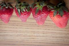 επάνω από τις φράουλες Στοκ εικόνα με δικαίωμα ελεύθερης χρήσης