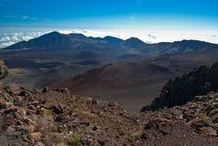 επάνω από τον κρατήρα ηφαισ&tau Στοκ Φωτογραφία