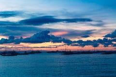 επάνω από το όμορφο ηλιοβασίλεμα θάλασσας Έννοια θερινών διακοπών Στοκ Εικόνες