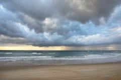 επάνω από thunderstorm θάλασσας σύννεφων την όψη Στοκ εικόνα με δικαίωμα ελεύθερης χρήσης