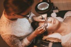 Επέκταση Eyelashes διαδικασίας Στοκ φωτογραφία με δικαίωμα ελεύθερης χρήσης
