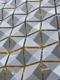 Επένδυση μετάλλων στην οικοδόμηση Στοκ φωτογραφία με δικαίωμα ελεύθερης χρήσης