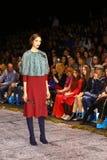 Επίδειξη μόδας γουνών lether στη ρωσική εβδομάδα μόδας Στοκ Εικόνες