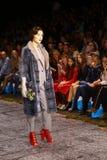Επίδειξη μόδας γουνών lether στη ρωσική εβδομάδα μόδας Στοκ φωτογραφία με δικαίωμα ελεύθερης χρήσης