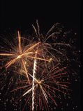Επίδειξη πυροτεχνημάτων στην αμερικανική ημέρα της ανεξαρτησίας στοκ φωτογραφία με δικαίωμα ελεύθερης χρήσης
