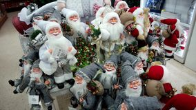 Επίδειξη Santa στο κατάστημα Χριστουγέννων απόθεμα βίντεο