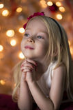 Επίκληση νέων κοριτσιών Στοκ εικόνα με δικαίωμα ελεύθερης χρήσης