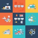 Επίπεδα εικονίδια έννοιας σχεδίου για την επιχείρηση, τον Ιστό και τις κινητές υπηρεσίες χρήματα εννοιών επιχειρησιακών υπολογιστ Στοκ φωτογραφία με δικαίωμα ελεύθερης χρήσης